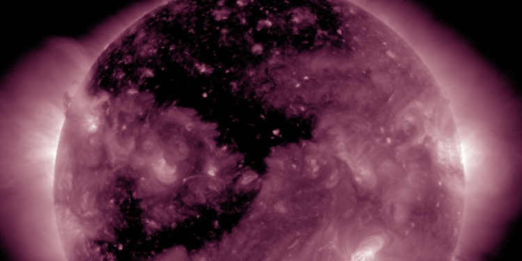massive-coronal-hole